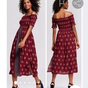 XHILIRATION Off the Shoulder Midi Dress